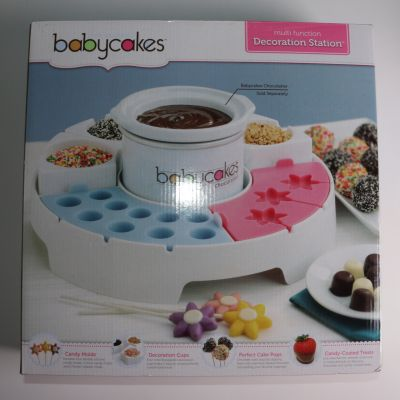 Babycakes Decoration Station With Silicon Molds